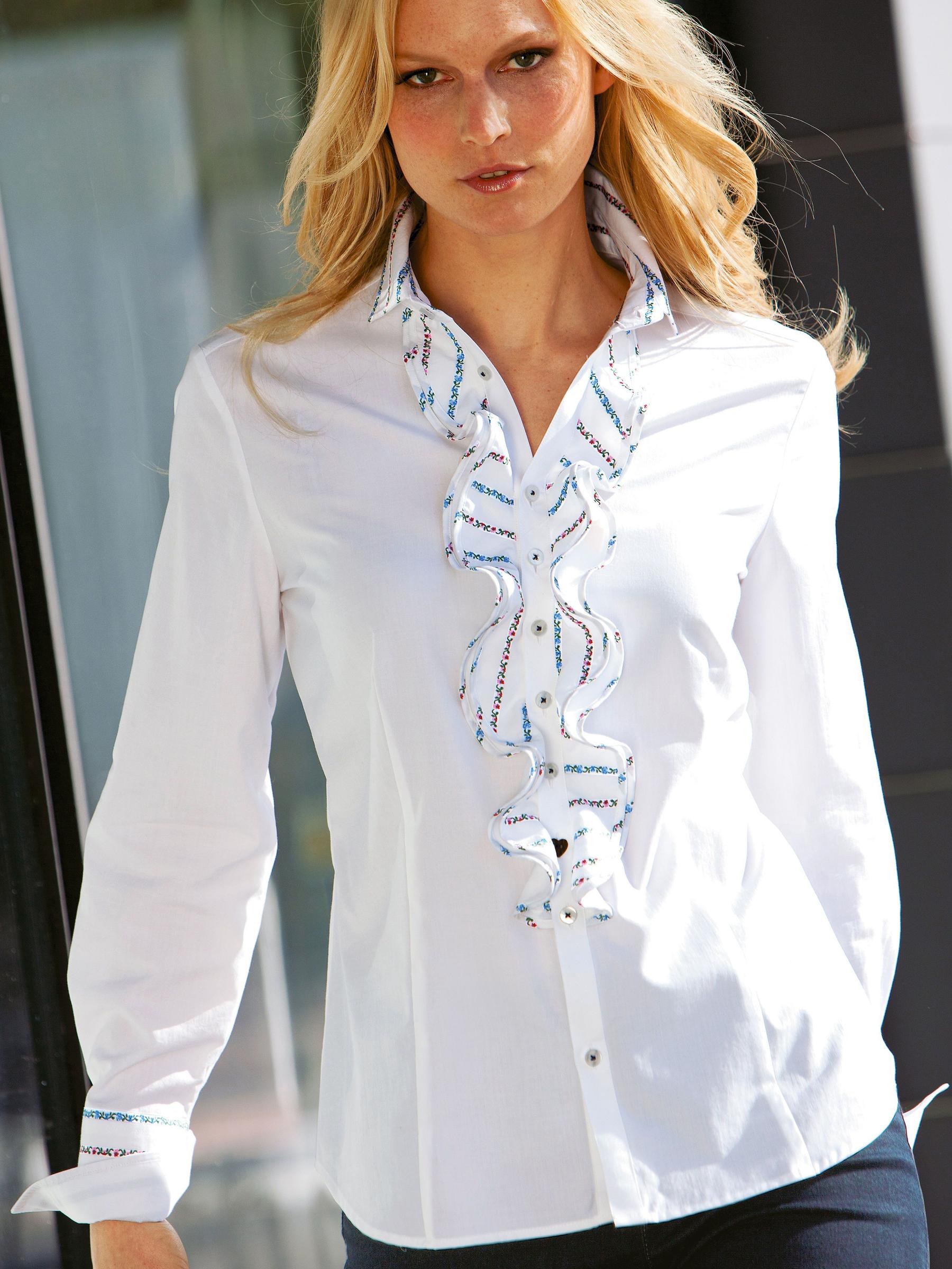 Блузки нарядные для женщин